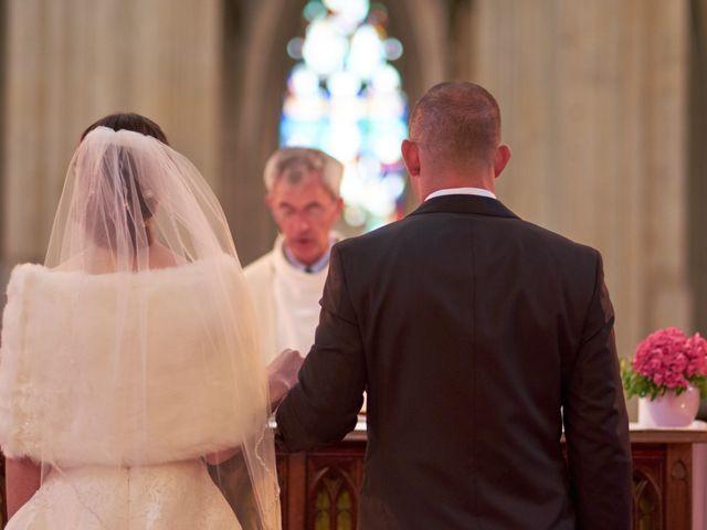 Le mariage de John et Elodie à Tuffé, Sarthe 51
