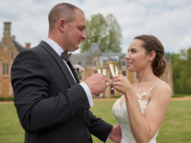 Le mariage de John et Elodie à Tuffé, Sarthe 66