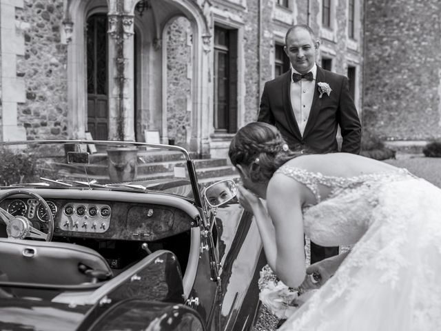 Le mariage de John et Elodie à Tuffé, Sarthe 69