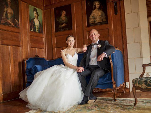 Le mariage de John et Elodie à Tuffé, Sarthe 72
