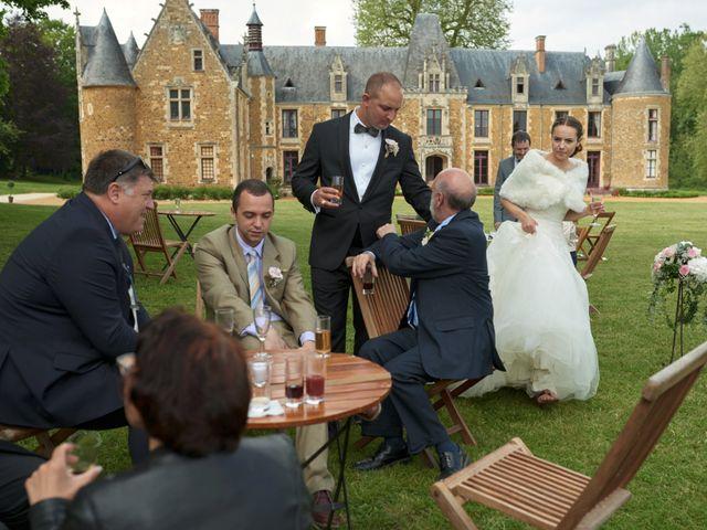 Le mariage de John et Elodie à Tuffé, Sarthe 78