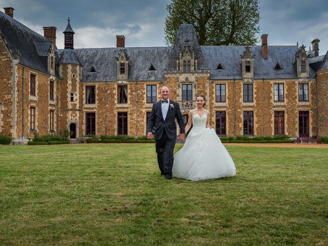 Le mariage de John et Elodie à Tuffé, Sarthe 84