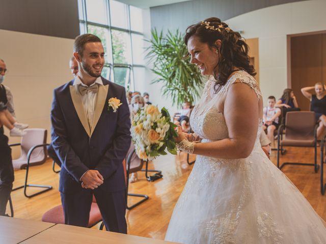 Le mariage de Fabien et Tiphaine à Guesnain, Nord 52