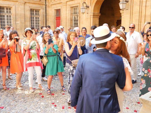 Le mariage de Xavier et Caroline à Saint-Martin-de-Castillon, Vaucluse 6