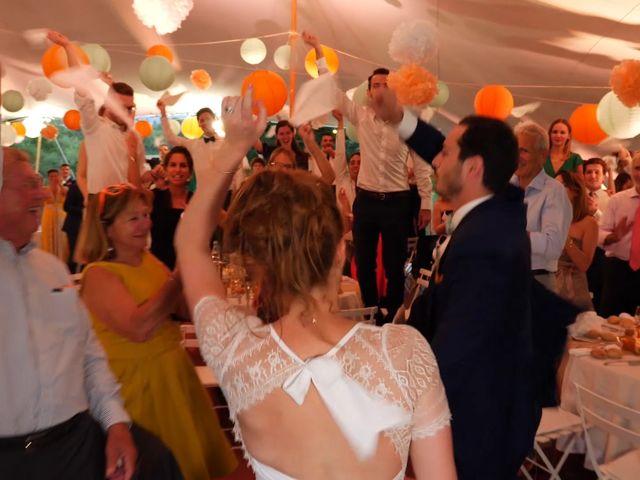 Le mariage de Xavier et Caroline à Saint-Martin-de-Castillon, Vaucluse 32