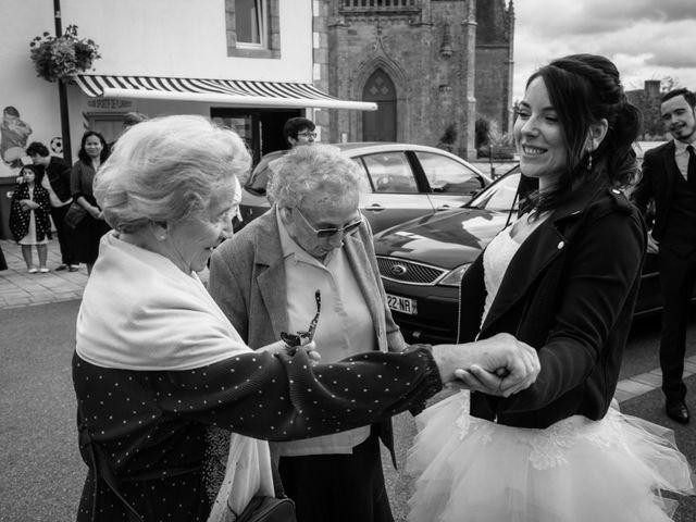 Le mariage de Hervé et Murielle à Pluneret, Morbihan 22