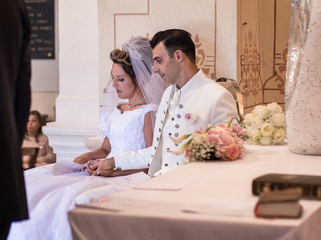 Le mariage de Alexandre et Aurore à Montmiral, Drôme 31