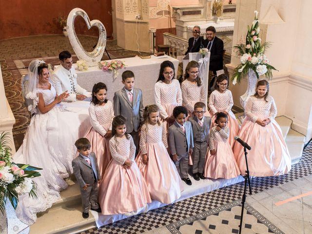 Le mariage de Alexandre et Aurore à Montmiral, Drôme 32