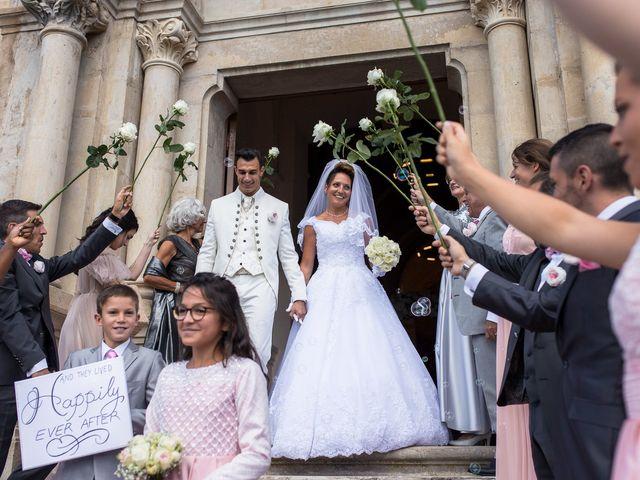Le mariage de Alexandre et Aurore à Montmiral, Drôme 44