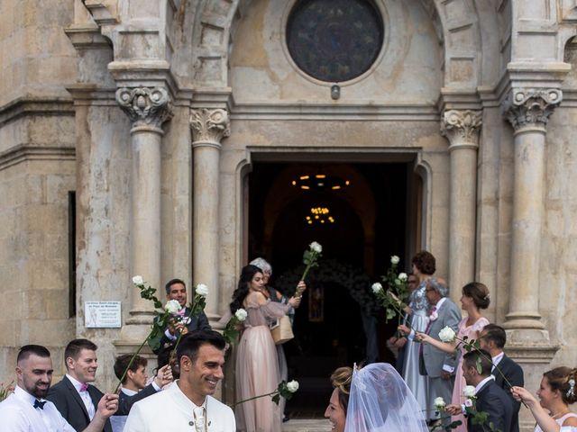 Le mariage de Alexandre et Aurore à Montmiral, Drôme 45