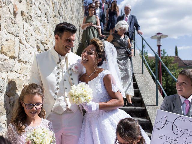 Le mariage de Alexandre et Aurore à Montmiral, Drôme 47
