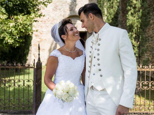 Le mariage de Alexandre et Aurore à Montmiral, Drôme 52
