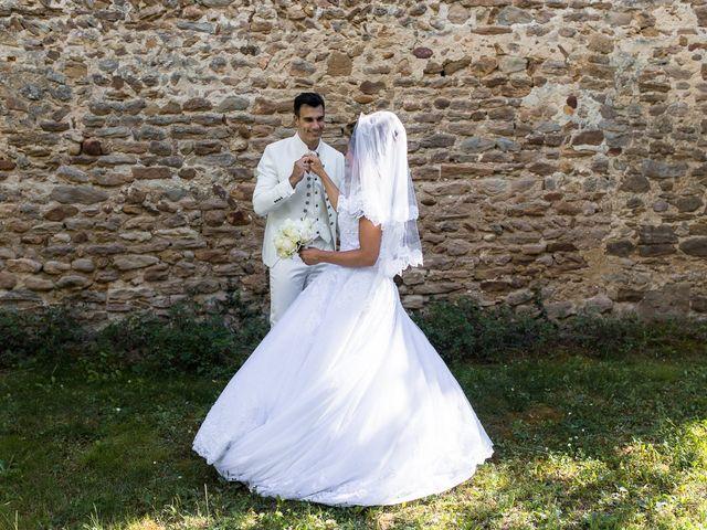 Le mariage de Alexandre et Aurore à Montmiral, Drôme 63