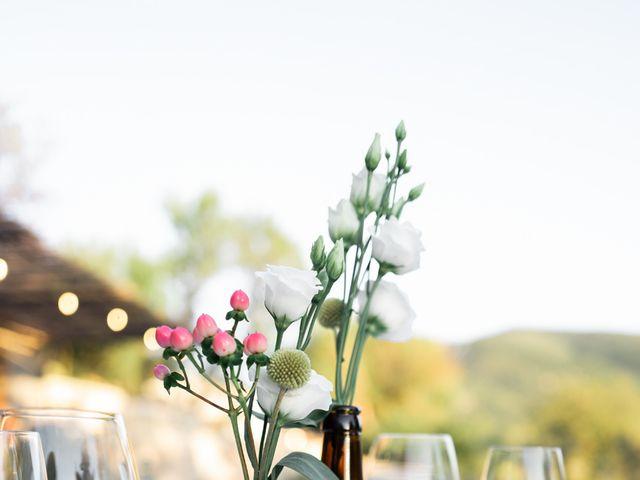 Le mariage de Loïc et Cécile à Montbrun-les-Bains, Drôme 30