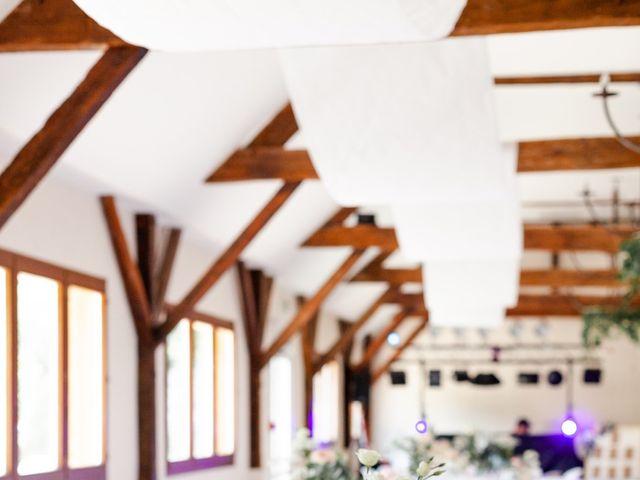 Le mariage de Eric et Angélique à Longué-Jumelles, Maine et Loire 28
