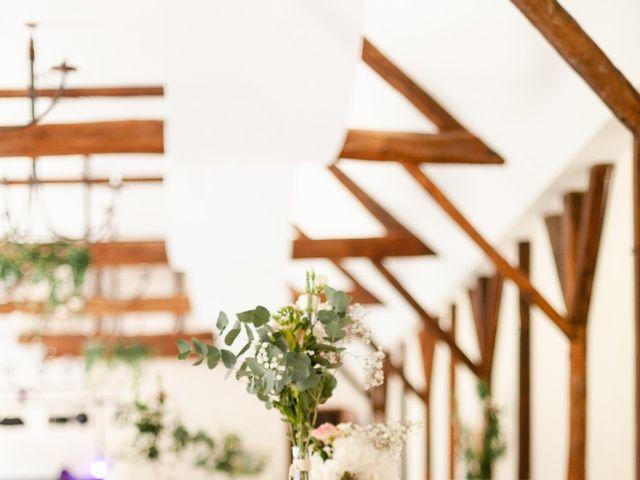Le mariage de Eric et Angélique à Longué-Jumelles, Maine et Loire 31