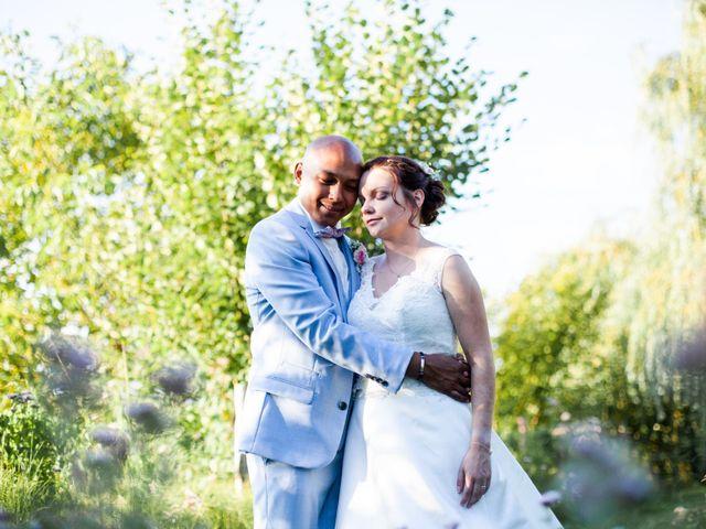 Le mariage de Eric et Angélique à Longué-Jumelles, Maine et Loire 49