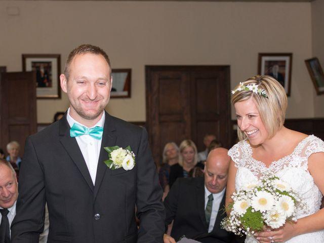 Le mariage de Nicolas et Marine à Muttersholtz, Bas Rhin 23