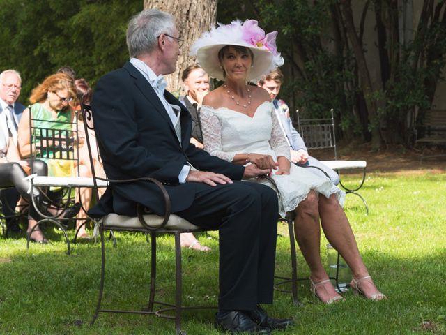 Le mariage de Mike et Pia à Sernhac, Gard 23