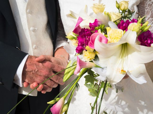 Le mariage de Mike et Pia à Sernhac, Gard 42