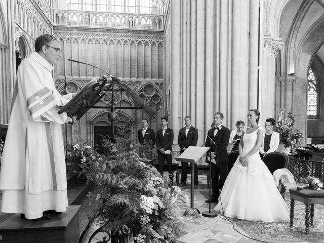 Le mariage de Pierre et Isaline à Bayeux, Calvados 8