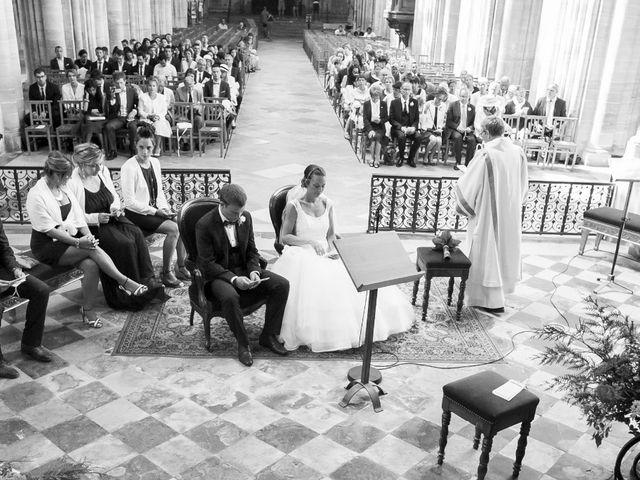 Le mariage de Pierre et Isaline à Bayeux, Calvados 9