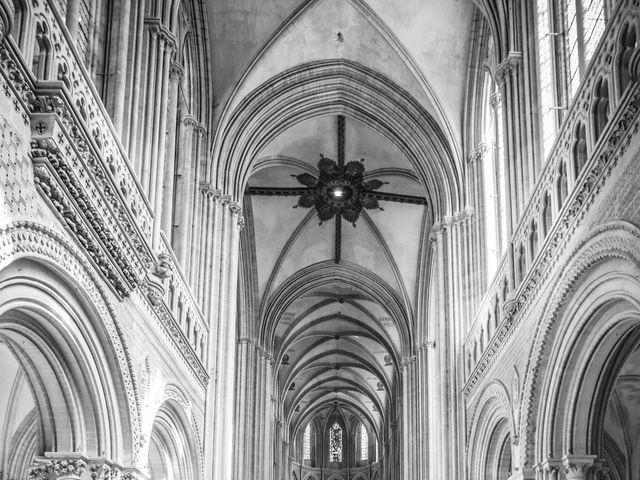 Le mariage de Pierre et Isaline à Bayeux, Calvados 10