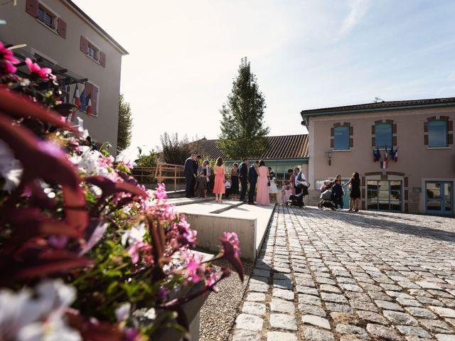 Le mariage de Cédric et Myriam à Montmerle-sur-Saône, Ain 4