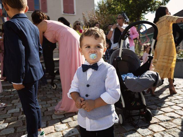 Le mariage de Cédric et Myriam à Montmerle-sur-Saône, Ain 8