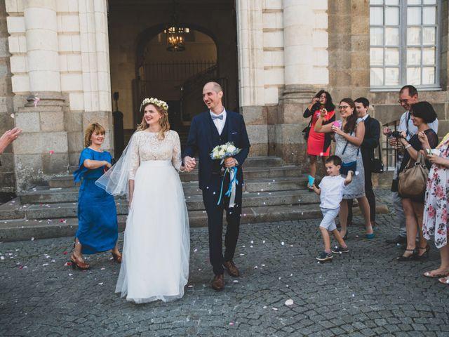 Le mariage de Raphaël et Alina à Châteaubourg, Ille et Vilaine 10