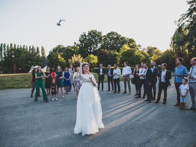 Le mariage de Raphaël et Alina à Châteaubourg, Ille et Vilaine 17