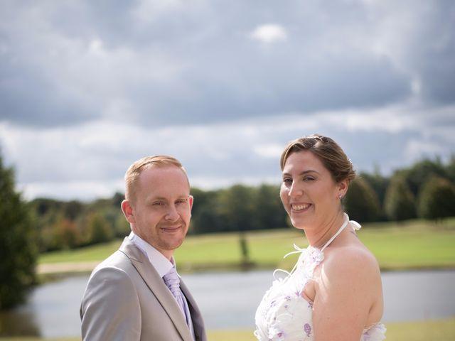 Le mariage de Valentin et Alexia à Apremont, Oise 16