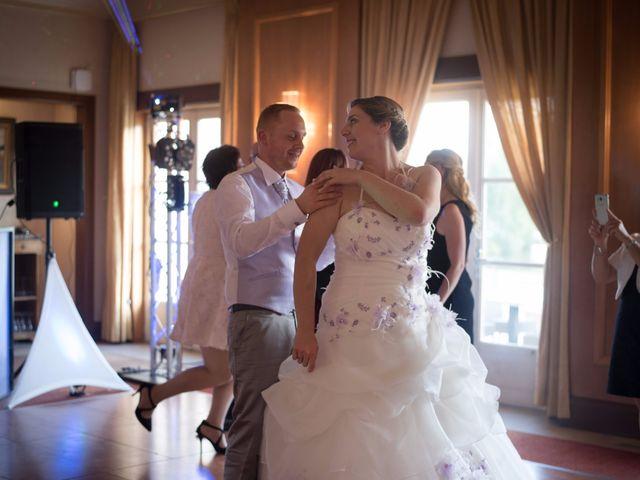 Le mariage de Valentin et Alexia à Apremont, Oise 29