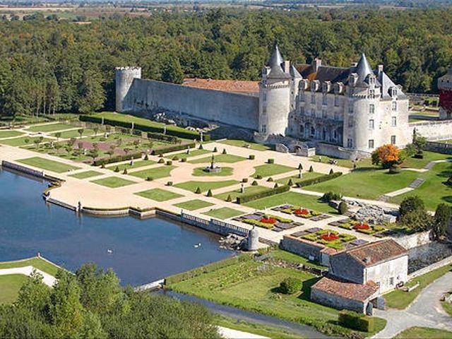 Le mariage de Marc Antoine et Julie à Saintes, Charente Maritime 1