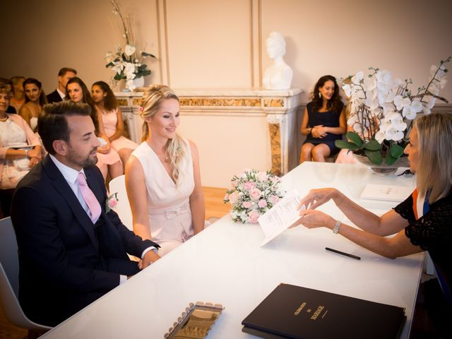 Le mariage de Rodolphe et Adriana à Villeneuve-les-Avignon, Gard 17