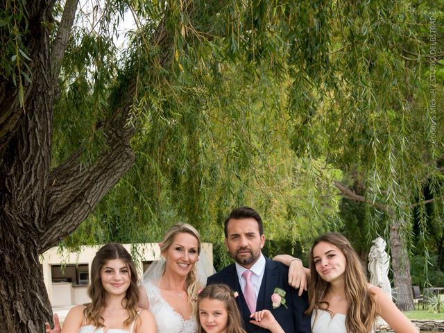 Le mariage de Rodolphe et Adriana à Villeneuve-les-Avignon, Gard 30