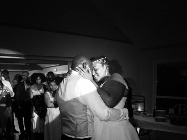 Le mariage de Jacques et Francesca à  Val-de-Saâne, Seine-Maritime 94