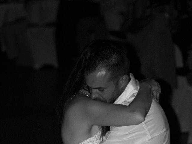 Le mariage de Sébastien et Emilie  à Arcins, Gironde 30