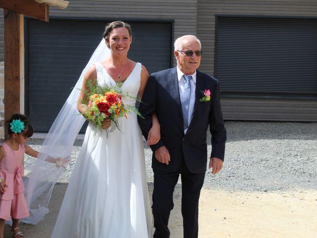Le mariage de Benjamin et Emmanuelle à Landos, Haute-Loire 24