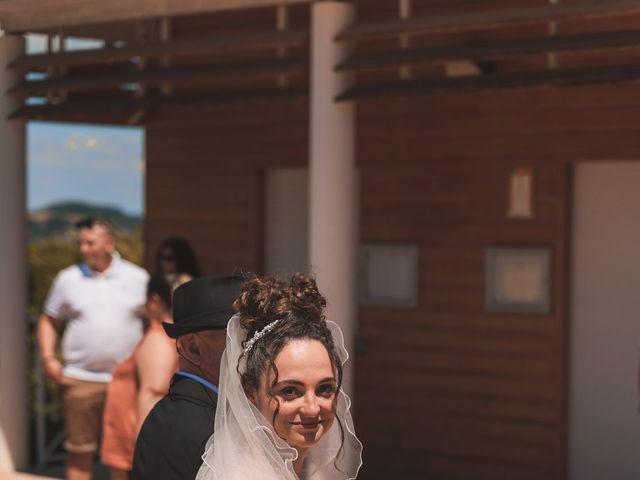 Le mariage de Thomas et Lola à Saint-Donat-sur-l'Herbasse, Drôme 5