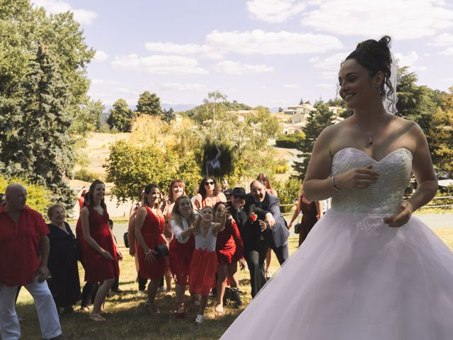Le mariage de Thomas et Lola à Saint-Donat-sur-l'Herbasse, Drôme 18