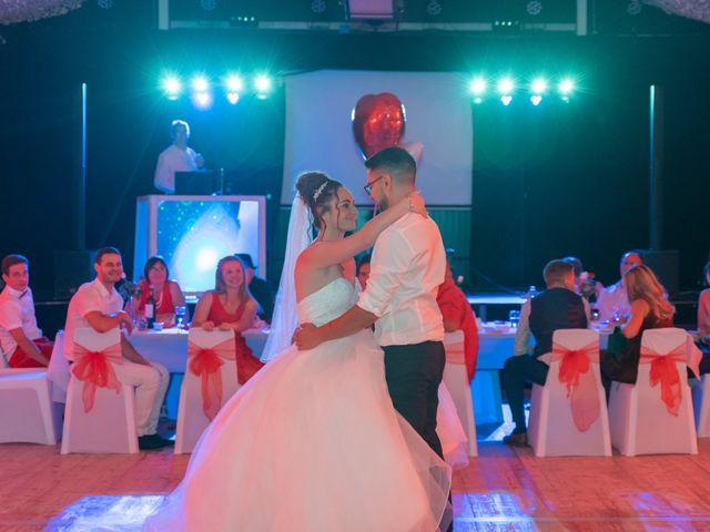 Le mariage de Thomas et Lola à Saint-Donat-sur-l'Herbasse, Drôme 42