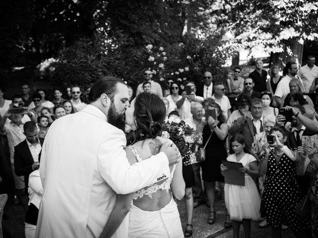 Le mariage de Jonathan et Lily à Courthézon, Vaucluse 1