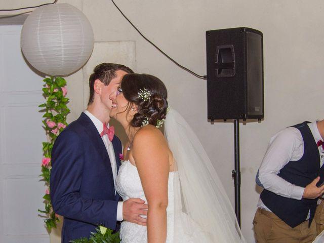 Le mariage de Benjamin et Nikita à Mosnac, Charente 12