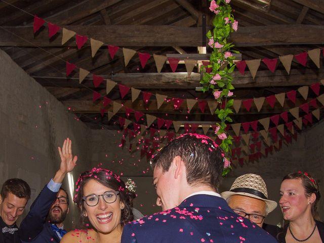 Le mariage de Benjamin et Nikita à Mosnac, Charente 31