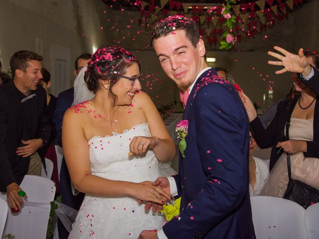 Le mariage de Benjamin et Nikita à Mosnac, Charente 32