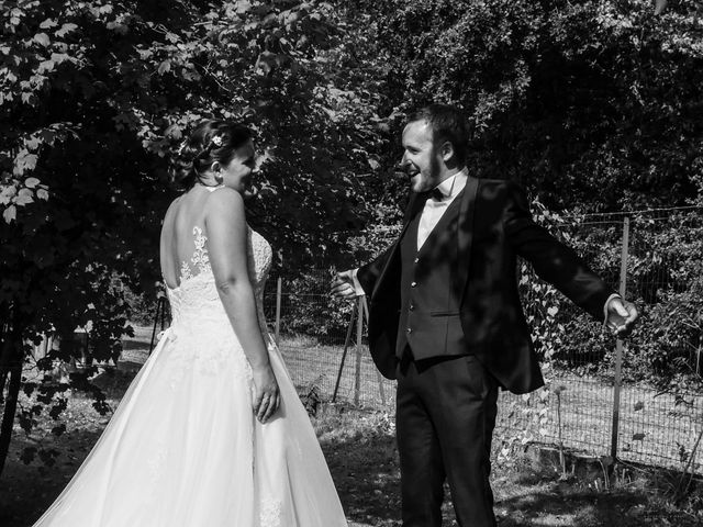Le mariage de Julien et Anaïs à La Gaubretière, Vendée 19