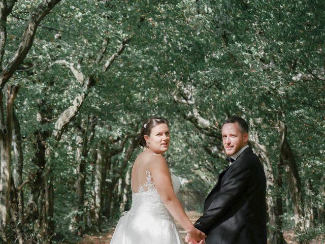 Le mariage de Julien et Anaïs à La Gaubretière, Vendée 21