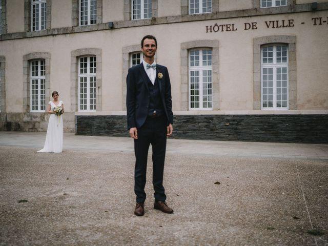Le mariage de Mathieu et Anne-Charlotte à Saint-Pol-de-Léon, Finistère 34
