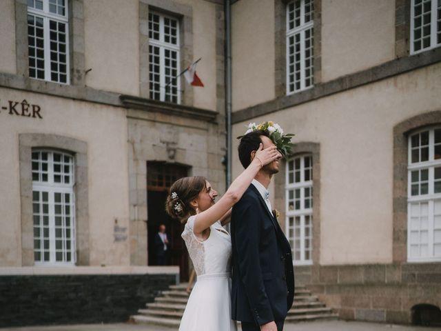 Le mariage de Mathieu et Anne-Charlotte à Saint-Pol-de-Léon, Finistère 35